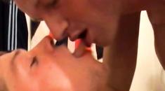 video-massazha-gologo-tela-seks-figura-popa